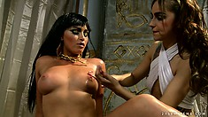 Cleopatra shows her nice ass and gets an oily rubdown by her servant